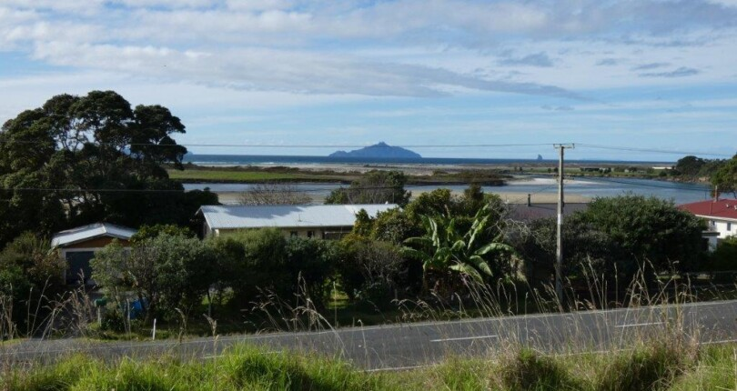 Huge views – Waipu estuary, ocean and islands!!